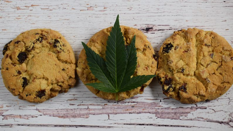 A Guide to Try Edibles Safely – Especially for Beginners